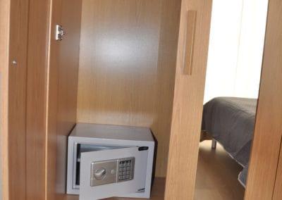 apartamenty-galatex-lux-s-dvumya-i-chetyrmya-spalnyami-kipr-vozle-morya-pervaya-polosa-003